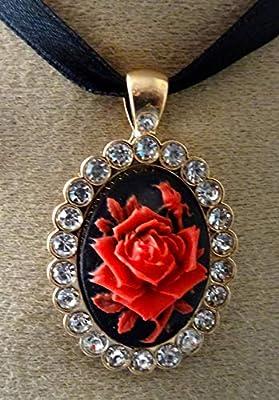 pendentif camée, strassé, la rose rouge
