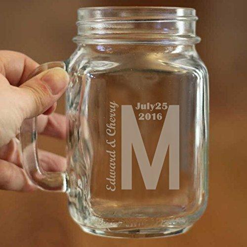 Monogramm Mason Jar Cup Custom Namen und Datum auf Mason Jar Becher 16Oz Bier Glas mit Griffe Persönlichen Mason Jar Becher Personalisierte Geburtstag Geschenk