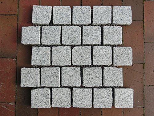 granitpflaster-pflastersteine-pflaster-naturstein-auf-netz-25-m-grauweiss