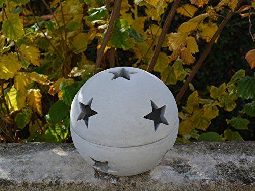 Wunderschöne Deko-Kugel mit Sterne Steinkugel Dekorationselement aus Steinguss frostfest