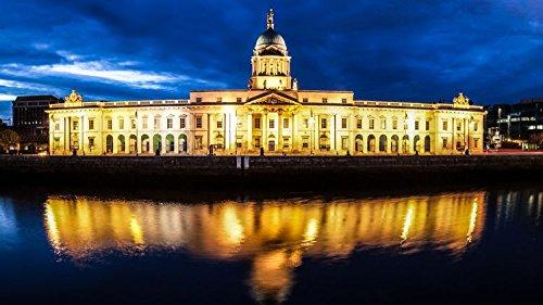 Dublín Custom House por la noche con reflejo en el río Liffey Irlanda Europa Póster de decoración para el hogar (53x 30cm