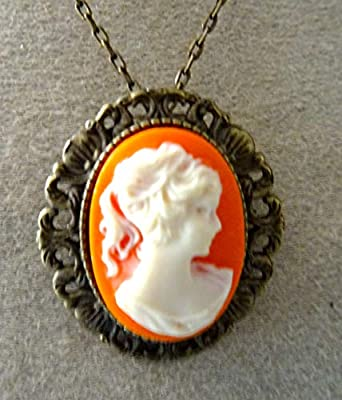 pendentif, broche camée Marie Antoinette orangé