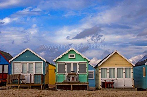 eine 45,7 x 30,5 cm Fotografieren Hochwertiger Fotodruck der Strandhütten Mudeford hengistbury Kopf in der Nähe Christchurch Bournemouth England Dorset UK Landschaft Foto Farbe Bild Fine Print