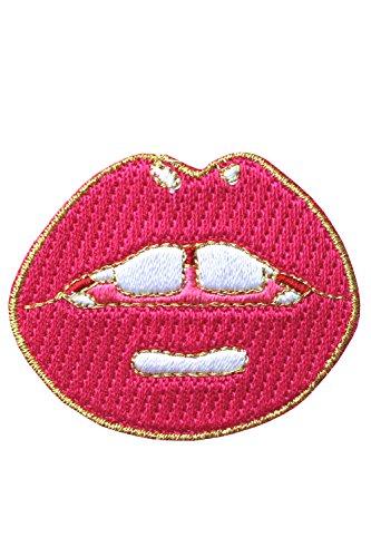 likalla-aufnaher-aufbugler-red-lips-mit-susser-zahnlucke-gestickt-aus-4-farbigem-garn-mit-gold-umran