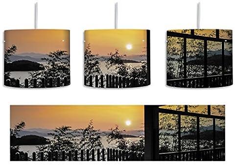 Aussicht auf Sonnenuntergang über See schwarz/weiß inkl. Lampenfassung E27, Lampe mit Motivdruck, tolle Deckenlampe, Hängelampe, Pendelleuchte - Durchmesser 30cm - Dekoration mit Licht ideal für Wohnzimmer, Kinderzimmer, Schlafzimmer