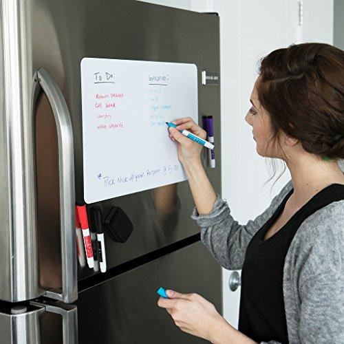 Cinch. Magnetische Trocken Löschen weiß Board für Küche Kühlschrank mit schmutzabweisend Technologie 43,2x 27,9cm-inkl. 2Marker und Big Radiergummi mit Magnete - Trockenen Löschen-board Magnet