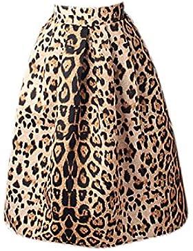 La Mujer Es Elegante Cintura Alta Falda Plisada De Rodillas Debajo De Una Línea De Leopardo