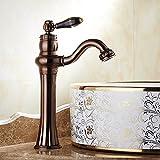 Zapfhahn-Sinken Wasserhahn Heißes Wasser Wasserhahn Schwenkbare Wasserhahn Im Badezimmer Auf Dem Tisch