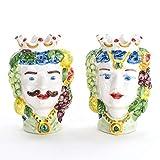 Coppia di Teste di moro in ceramica di Caltagirone tradizionali decorate a mano, ideali per bomboniere e soprammobili.