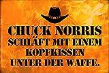 Chuck Norris schläft mit einem Kopfkissen unter der waffe metal sign deko schild blech projekt