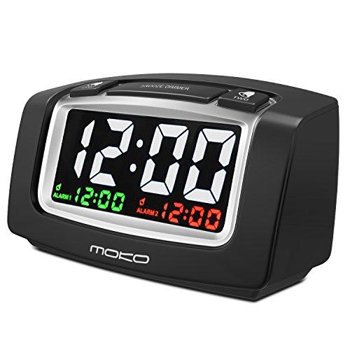 MoKo LED-Display Digitale Wecker Ziffern Uhr Tischwecker Reisewecker mit zwei Alarmen Snooze Sleep-Timer Funktion und Beleuchtung, mit 2 USB Ports und Batteriebetrieben, Schwarz