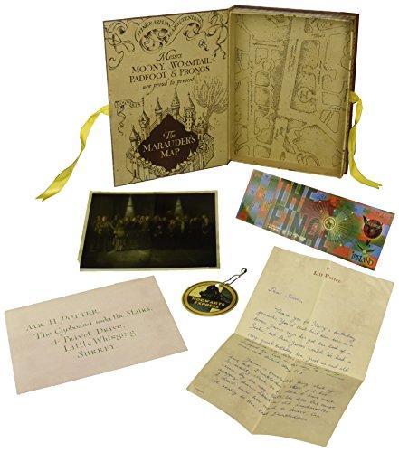 Caja con colección de réplicas de Harry Potter