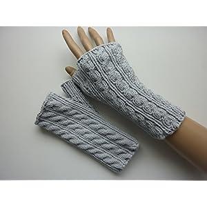 Armstulpen Hellgrau mit Zopfmuster aus Baumwolle handgestrickt