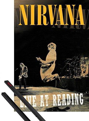 Poster + Sospensione : Nirvana Poster Stampa (91x61 cm) Live At Reading E Coppia Di Barre Porta Poster Nere 1art1®