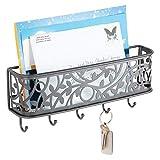 mDesign praktische Briefablage mit Korb für Flur und Küche – kompaktes Schlüsselboard mit 1 Fach für Post und 5 Haken – wandmontiertes Schlüsselbrett aus Metall – grau