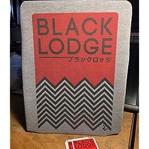 Black Lodge Japanisches schwarzes Lodge-T-Shirt mit Inspiriert durch minimalistisches japanisches Grafikdesign-T-Shirt…