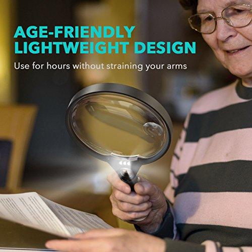 Lupe mit Licht, Unimi Extra große Handlupe zum Lesen, 140mm mit 2x 4x 25x Fach Vergrößerung, leichte Leselupe für Senioren und Kinder, Vergrößerungsglass für Kleingedrucktem, Karten, Münzen, Briefmarken & Schmuck - 5