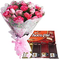 EXQUISITE COMBO - 15 Pink Flowers Hand Bunch with Choco Pie Box & Temptations Chocolate Bar