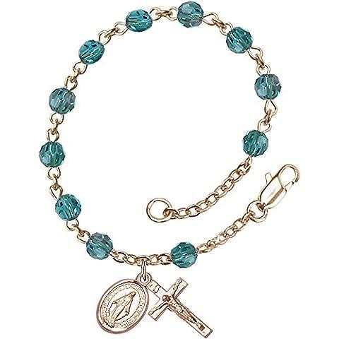14Ct oro con pulsera del rosario dispone de 5 mm perlas Swarovski Zircon. El crucifijo mide 5/8 x 1/4.