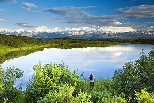 michael-deyoung-design-pics-female-tourist-viewing-mt-mckinley-from-the-edge-of-refleciion-pond-in-t