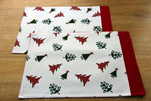 Homescapes Weihnachtliche Platzsets Tischsets weiß 2 Stk mit Weihnachtsbaum Motiv aus 100% Baumwolle