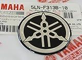 100% GENUINE 40mm Diametro YAMAHA TUNING FORCELLA Decalcomania Adesivo Emblema Logo NERA / ARGENTO In rilievo A cupola A Gel Resina Autoadesivo Moto / Sci Nautico / ATV / Motonev