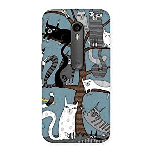 Delighted Cat On Trees Print Back Case Cover for Moto G Turbo