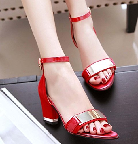 NobS Sandales en métal Femmes Open Toe Buckle Chunky Pumps Red