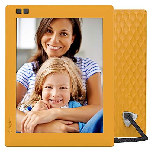 NIXPLAY Seed WLAN Digitaler Bilderrahmen 8 Zoll Mango. IPS Display Fotos/Videos per App oder Email an den Fotorahmen übertragen. Auto On/Off Funktion. Intuitive Fernbedienung