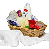 Reimarom Handverpacktes Geschenk-Set Ganzkörpermassage mit Dove Duschgel sowie Duftkerze und Massagebürste plus Badezusätze