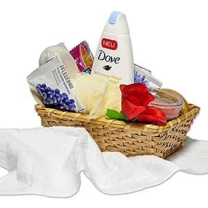 handverpacktes Set Ganzkörpermassage inklusive Dove Duschgel sowie Duftkerze und Massagebürste inklusive Aromabädern