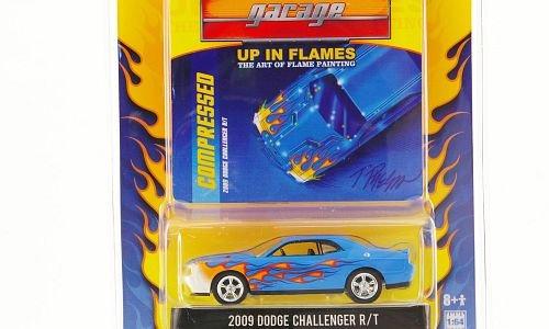 dodge-challenger-r-t-azul-claro-con-decoracion-de-flamas-2009-modelo-de-auto-modello-completo-greenl