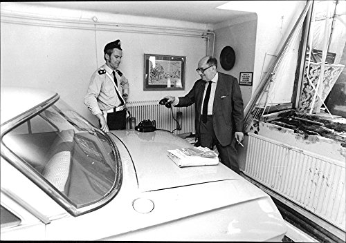 vintage-photo-of-drivers-crashed-right-into-the-office-constable-roger-ohlsson-and-civ-ing-stephen-j