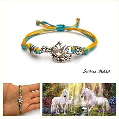 Bracelet LICORNE - PORTE BONHEUR pour les administrateurs de chevaux. Perles Tibetaines. Cordon satin