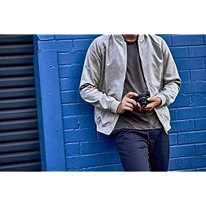 Sony-DSC-RX100-VI-Digital-Kompaktkamera-201-Megapixel-83x-opt-Zoom-Touchscreen-24-BilderSek-4K-Video-Super-Slow-Motion-Zeiss-Objektiv-Cyber-shot-schwarz