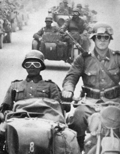 Motorradhelm im Wehrmacht Style mit Brille Größe M 57-58cm - 4
