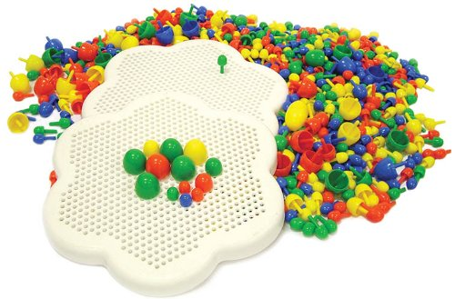 play-discover-two-peg-boards-with-300-plus-pegs-3-sizes