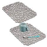 mDesign Set da 2 Tappetini per Il lavandino – Tappetino Protettivo Pratico di Misura Adattabile – Tappetino lavello in PVC per Proteggere lavabo e stoviglie – Grigio