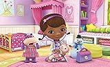 Tapetokids Fototapete - Disney Doc Mcstuffins - Vlies 368 x 254 cm (Breite x Höhe) - Wandbild Puppe Hippo Tasche Mädchen Baby