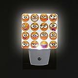 COOSUN I personaggi del fumetto arancione rotonde Emoji Collegare LED Night Light Auto Smart Sensor Dusk to Dawn Notte decorativo per camera da letto, bagno, cucina, disimpegno, Scale, Corridoio, st
