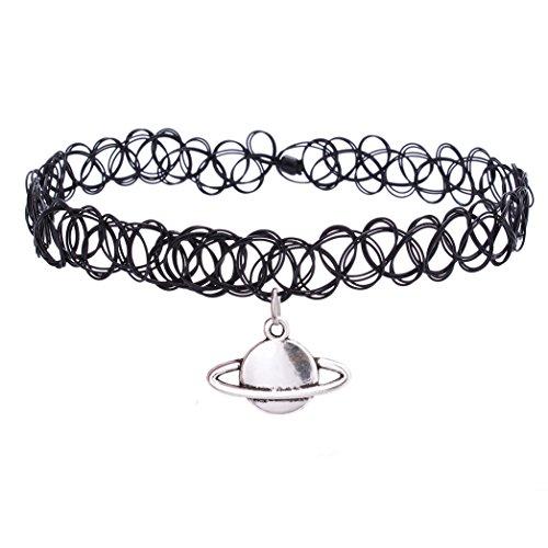 elastisches-collier-mit-anhanger-enganliegend-tattoo-design-hippie-boho-im-stil-der-80er-90er-jahre-