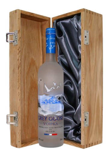 grey-goose-vodka-presented-in-a-luxury-hinged-oak-wooden-box-700ml