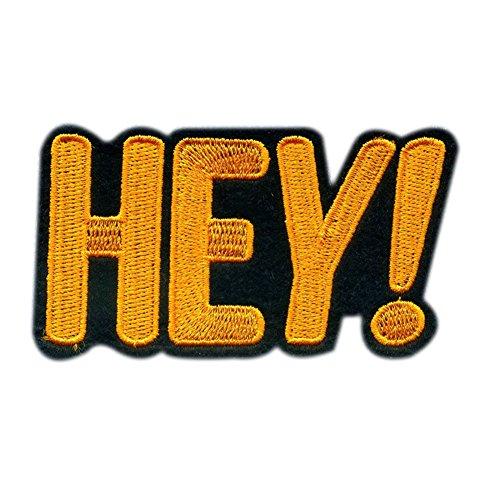 Lumanuby 1 Stück T-Shirt Brief Patches 'HEY' aus Tuch Stickerei Applikationen Aufnäher 8.7*4.7cm Gelb Farbe , Aufnäher Serie -