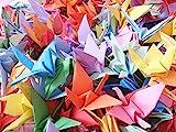 In Giappone, la gru è sempre stato un simbolo di pace. Si ritiene che in Giappone 1000gru per il matrimonio sono simbolo di 1000generazioni di pace, felicità, fortuna e prosperità. L'origami della gru può anche funzionare come decalcomania da paret...