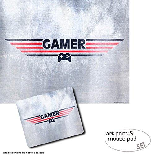 Geschenkset: 1 Poster Kunstdruck (50x40 cm) + 1 Mauspad (23x19 cm) - Gaming, Gamer