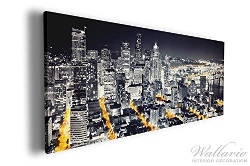 Wallario XXL Wallario Leinwandbild Großstadt bei Nacht - Seattle in schwarz weiß gelb - 60 x 150...