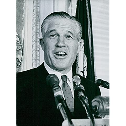 Vintage photo of George Wilcken Romney giving