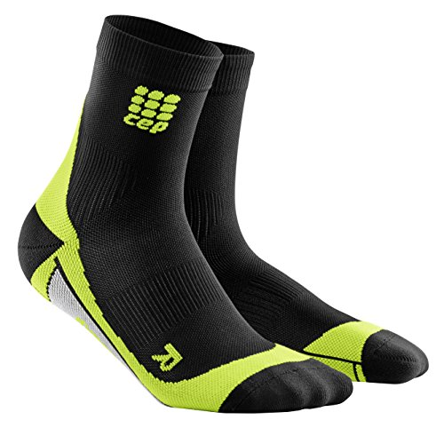 CEP - DYNAMIC+ SHORT SOCKS, Laufsocken kurz für Herren, schwarz / grün in Größe III, Sportsocken made by medi, Made in Germany