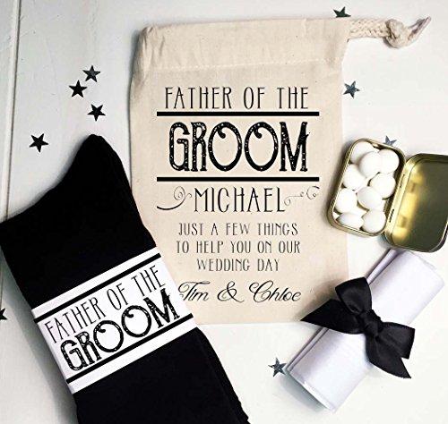 (Pre gefüllt Father Of The Groom Hochzeit Morning Geschenk Bag Vintage Design mit Name personalisiert Socken Münzen und Einstecktuch)