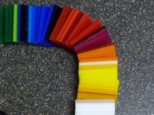 - Da taglio colore: naturale Pannello in poliossimetilene POM bianco alt-intech/® dimensioni: 500 x 245 x 1 mm